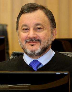 Ministro Walmir Oliveira da Costa